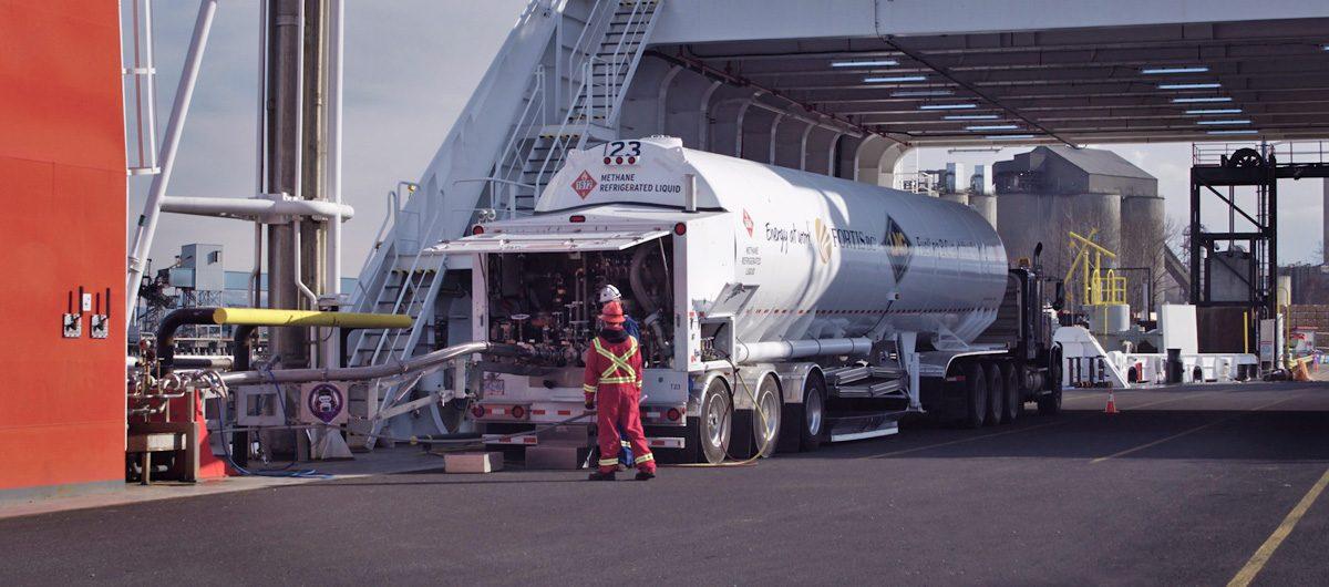 Seaspan employees supervising LNG bunkering for Seaspan Swift