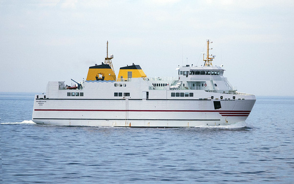 Grand Manan Adventure Ferry design by Vard Marine starboard profile view in water