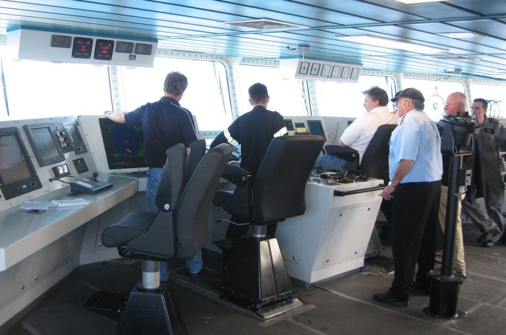Six men manning the bridge of VARD 7 085 HMNZS Otago RNZN OPV on sea trials